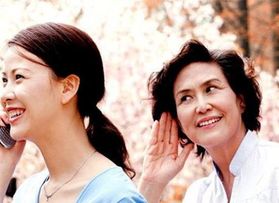 Mẹ chồng, nàng dâu là những nhân tố quan trọng trong việc giữ gìn hạnh phúc gia đình. (Ảnh minh họa)