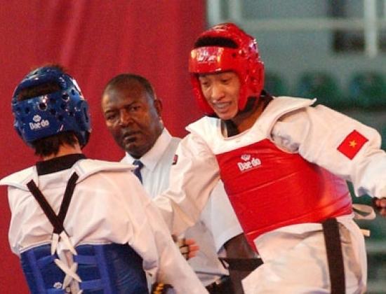 Huỳnh Châu (giáp đỏ) là niềm hy vọng lớn nhất của taekwondo