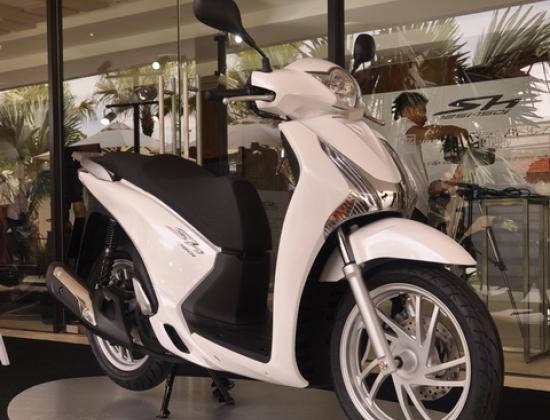 Honda SH mới có công nghệ cao nhưng giá thấp hơn. (Ảnh QT)