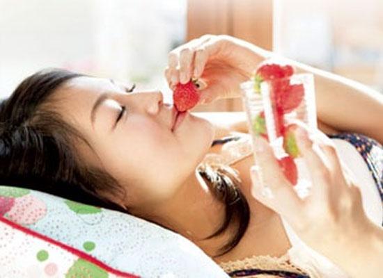 Thực phẩm là giải pháp an toàn và lâu dài giúp bổ máu, dưỡng sắc cho chị em.