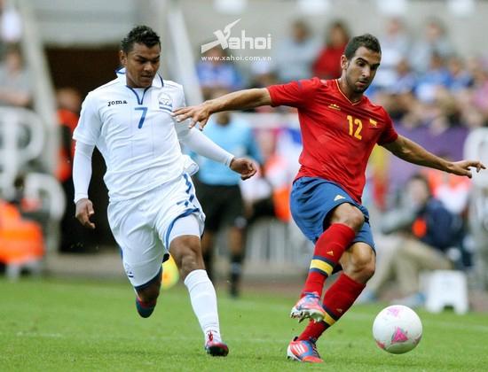 O.Tây Ban Nha (đỏ) sẽ rời Olympic 2012 bằng một chiến thắng?