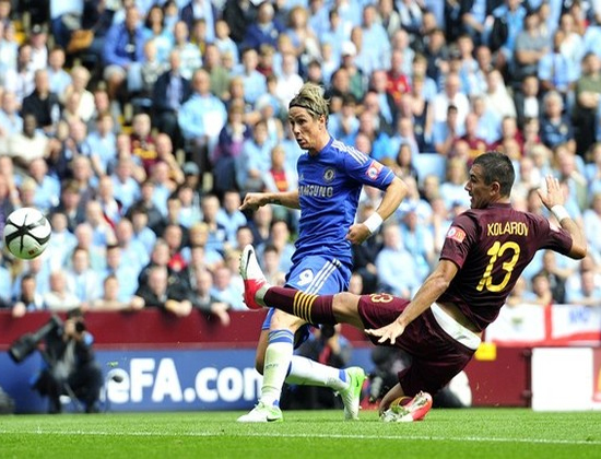 Torres mở tỷ số cho Chelsea