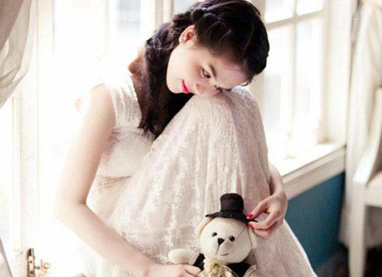 Sao Việt hóa thiên thần nhờ ren trắng