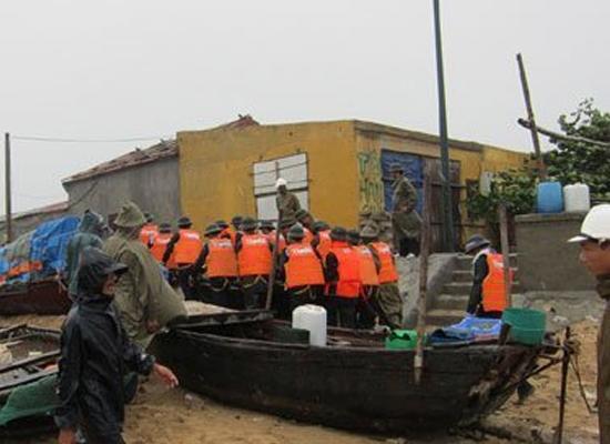 Quảng Ninh chống bão trong mùa mưa bão 2011 (Ảnh: VietNamNet)