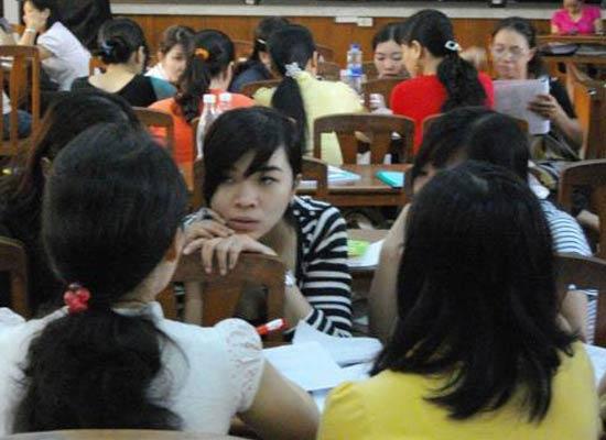 Một tiết học của lớp ĐH tại chức giáo dục mầm non ở TPHCM