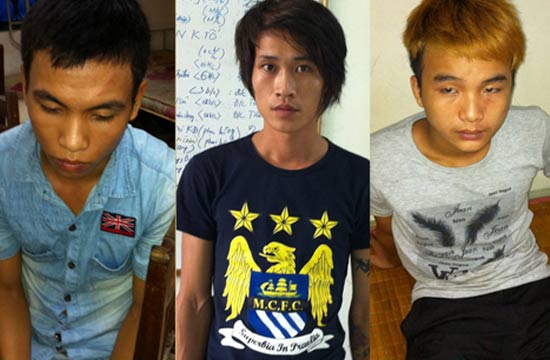 3 trong số 5 thanh niên bị tạm giữ gồm Đạt, Hà, Sơn (từ trái qua)