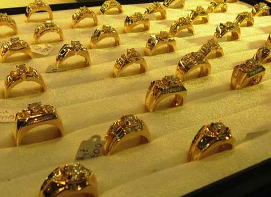 Giá vàng tiếp tục tăng nhanh và mạnh