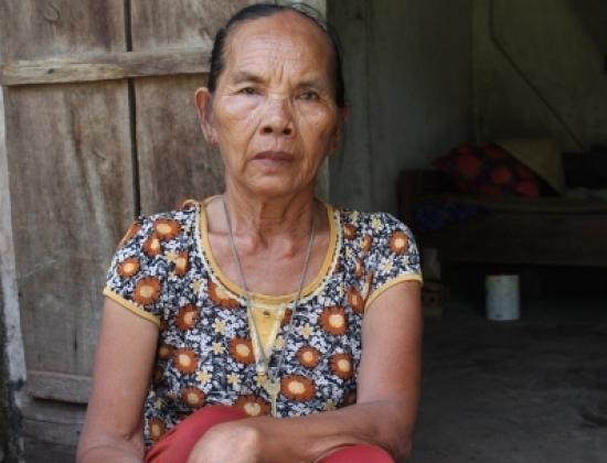 Người phụ nữ hơn 30 năm sống bằng nghề bốc mộ thuê