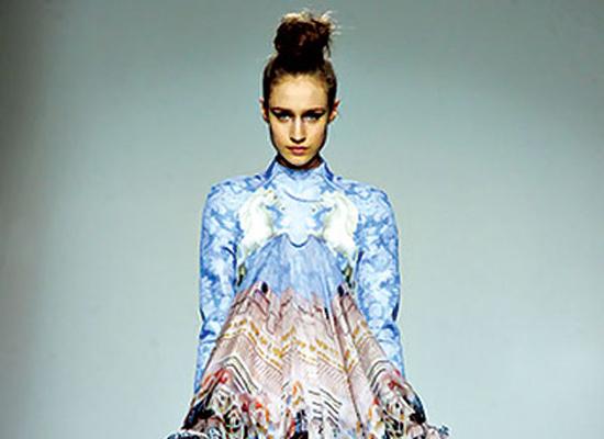 Một trong những mẫu trang phục của Roberto Cavalli.