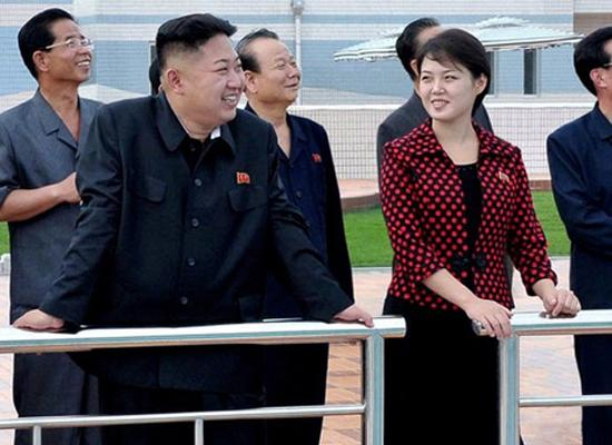 Hình ảnh về ông Kim Jong-Un và bà Ri Sol Ju.