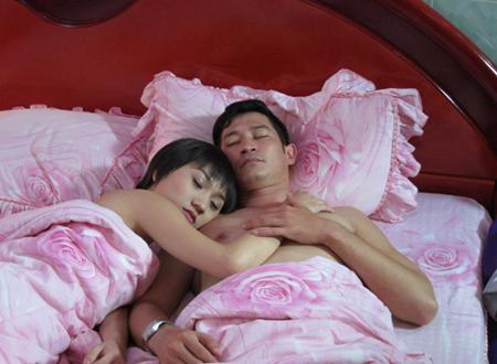 Cảnh nóng để đời của sao (P2): Những pha giường chiếu của mỹ nam trong phim Việt canhnongsaoviet18jpg1357284024