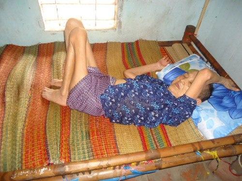 Phận đời nghiệt ngã của gia đình có 3 mẹ con nằm chờ chết | Bệnh tật, Từ thiện, Mạng xa hoi, Nhà hảo tâm, Quảng Nam