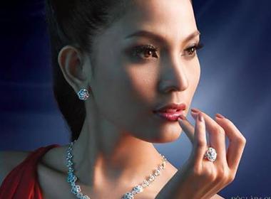 Vẻ đẹp giản dị hút hồn của Á hậu Trương Thị May
