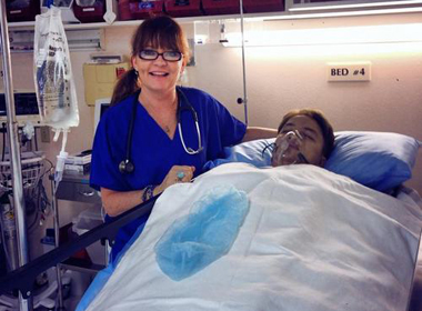 Cao Thái Sơn hồi sức sau phẫu thuật tại một bệnh viện ở Mỹ