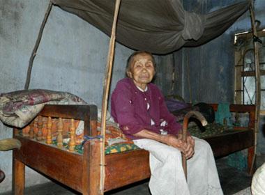 87 năm sống trên đời, chưa bao giờ cụ hết khổ!