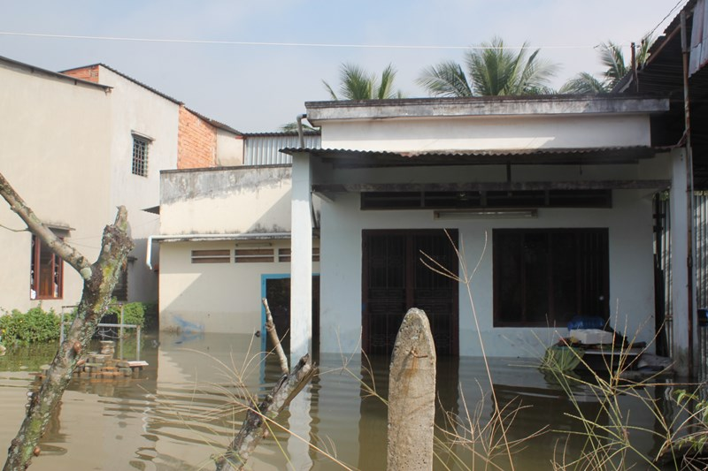 Ám ảnh hai lần chạy lụt giữa đêm khuya | Triều cường, TPHCM, Đỉnh triều, Sài Gòn, Trời rét, Trời lạnh, Gió Đông Bắc, Vỡ bao đê