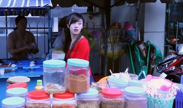 Hot girl bánh tráng: 'Chồng vui khi vợ nổi tiếng' | Hot girl, Bánh tráng, Lâm Đồng, Mạng xa hoi, Cư dân mạng, Lưu Hoài Bảo Chi