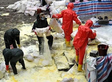 Một con sông ô nhiễm ở Trung Quốc - Ảnh: Xinhua