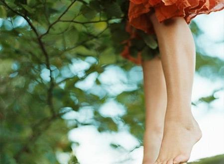 Khi vừa nhìn thấy đôi chân ngắn của em, anh liền quay mặt đi luôn (Ảnh minh họa).