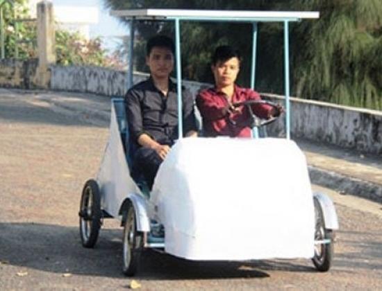 Sinh viên Việt sáng chế ôtô chạy năng lượng mặt trời