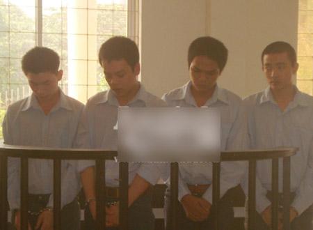 4 bị cáo tại phiên tòa xét xử