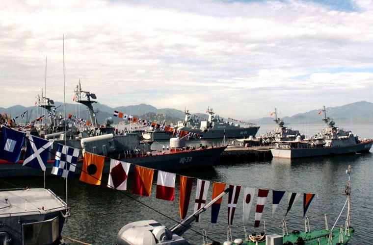 Lữ đoàn tàu chiến đấu 162 của Hải quân Nhân dân Việt Nam đóng tại Cam Ranh, trang bị hầu hết tàu chiến của Nga đóng