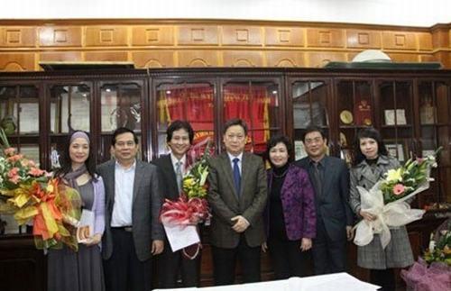 Chí Trung lên chức Phó giám đốc Nhà hát Tuổi trẻ