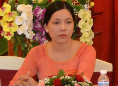 Bà Trần Hồng Ly