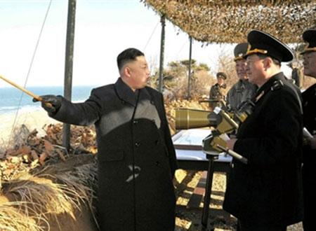 Ai đứng sau sự 'rắn mặt' của ông Kim Jong-Un?