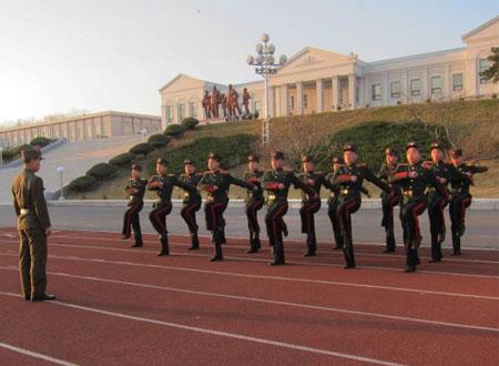 Học sinh Triều Tiên được dạy luôn coi Mỹ, Hàn là kẻ thù