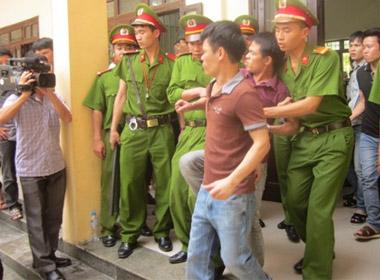 Bị tuyên án tử hình, đối tượng hung hãn chống đối quyết liệt