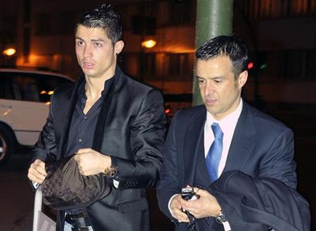 Mendes đang tìm bến đỗ mới cho Ronaldo?