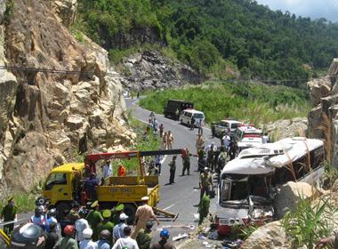 Hiện trường vụ đâm xe ở Khánh Hòa ngày 7/6.