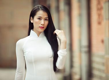 Siêu mẫu Thái Hà