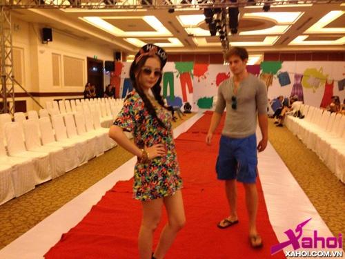 Angela Phương Trinh đi tập làm người mẫu, tin tong hop ,  have logo phuongtrinh06jpg1372151814