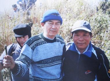 Nhà ngoại cảm Nguyễn Văn Nhã  cùng các đồng sự trong hành trình lên đỉnh Fansipan