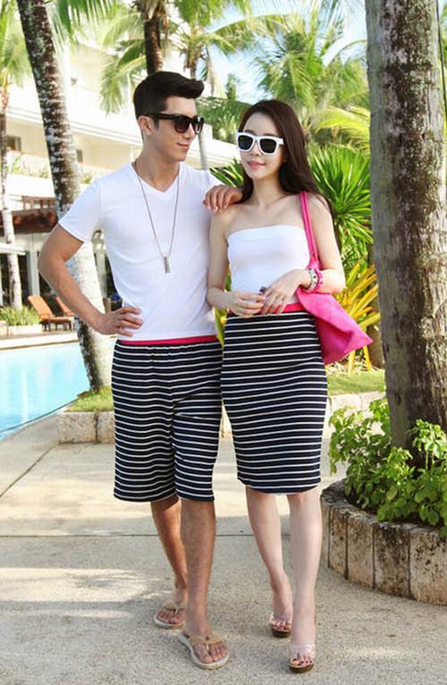 Lãng mạn hè với trang phục đôi đi biển | Đồ đôi đi biển, Đồ đi biển, Trang phục đi biển, Trang phục đôi đi biển, Trang phục biển, Đồ đôi 2013