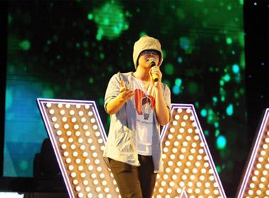 Xúc động hình ảnh cuối cùng trên sân khấu của Wanbi Tuấn Anh