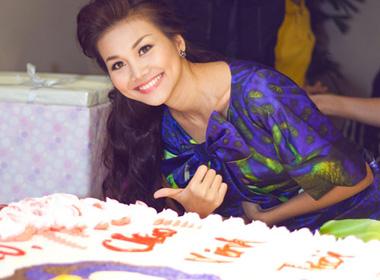 Sinh nhật hạnh phúc của siêu mẫu Thanh Hằng.