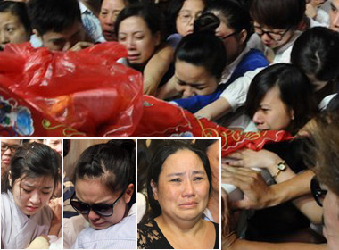 Nghẹn ngào khoảnh khắc tiễn biệt ca sĩ Wanbi Tuấn Anh về với cát bụi