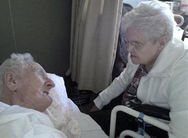 Ông Harold và bà Ruth Knapke.