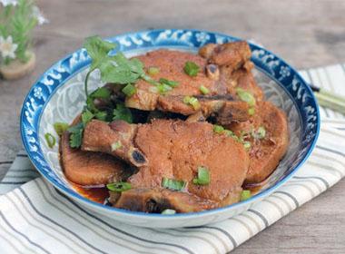 Sườn rim là món ăn trưa ngon miệng