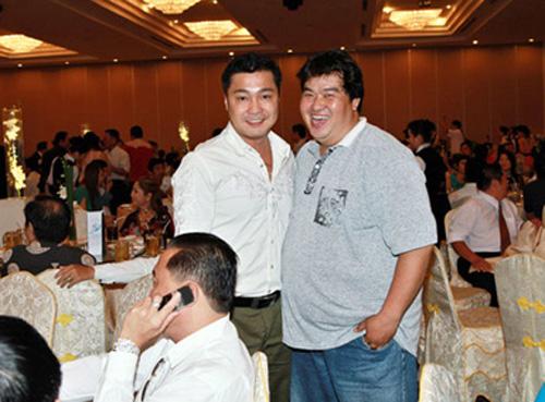 Lý Hùng - Hoàng Mập trong đám cưới diễn viên hài Hữu Nghĩa.