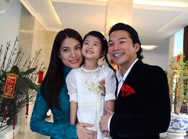 Vợ chồng Trương Ngọc Ánh và con gái Bảo Tiên.