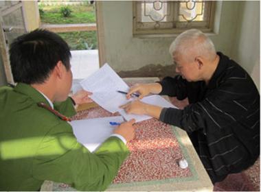 Bức ảnh trong trại giam đầu tiên của bầu Kiên được đăng tải.