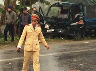 Cảnh sát bất ngờ bị ôtô đâm trong lúc giải quyết tai nạn