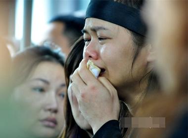 Người nhà Thượng tướng khóc òa trong lễ tang
