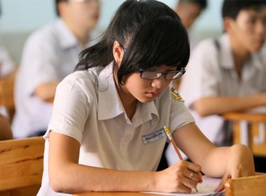 Học sinh trong kỳ thi tốt nghiệp THPT năm 2013