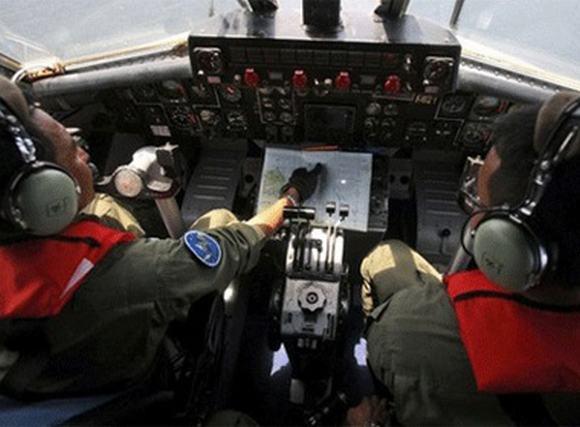 Cuộc tìm kiếm máy bay mất tích bước sang ngày thứ tư
