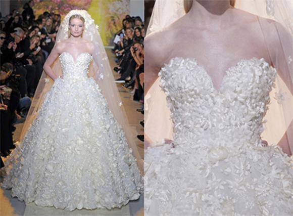 Váy cưới đính 25.000 bông hoa của thương hiệu Zuhair Murad